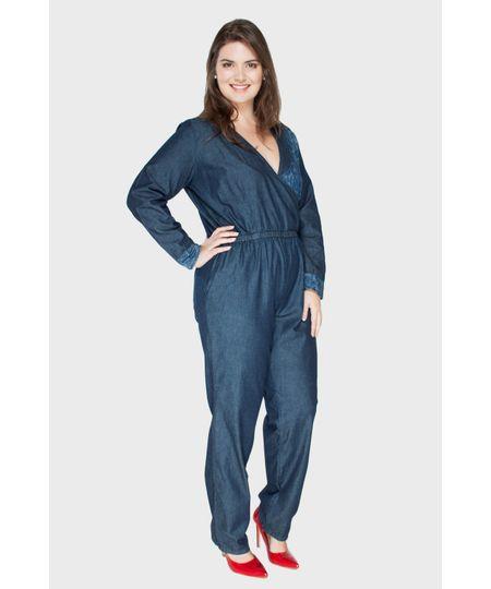 Macacão Jeans Transpassado Plus Size