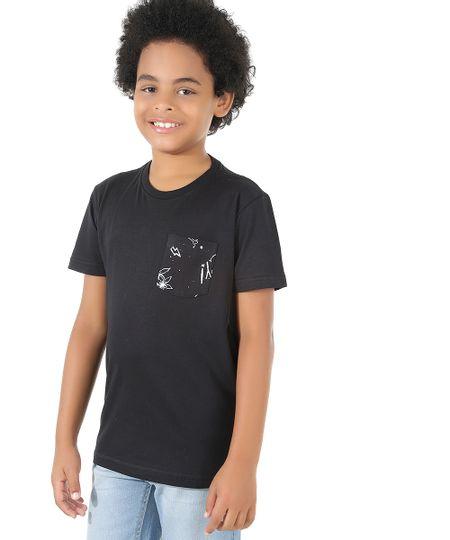 Camiseta com Bolso Estampado Preto