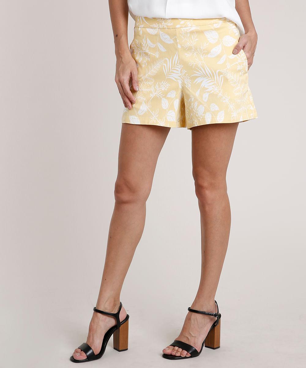 CeA Short Feminino Estampado de Folhagem com Bolsos Amarelo