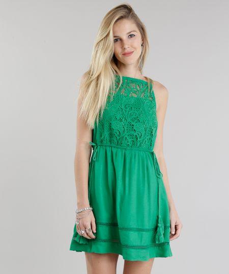 Vestido com Guipir Verde
