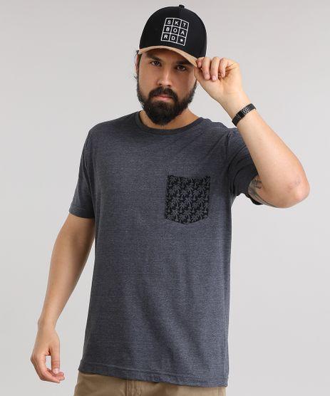 Camiseta-com-Bolso-Estampado-de-Coqueiros-Cinza-Mescla-Escuro-8788282-Cinza_Mescla_Escuro_1