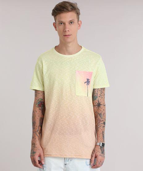 Camiseta-Flame-Degrade-com-Bolso-Estampado-de-Coqueiro-Amarela-8837718-Amarelo_1