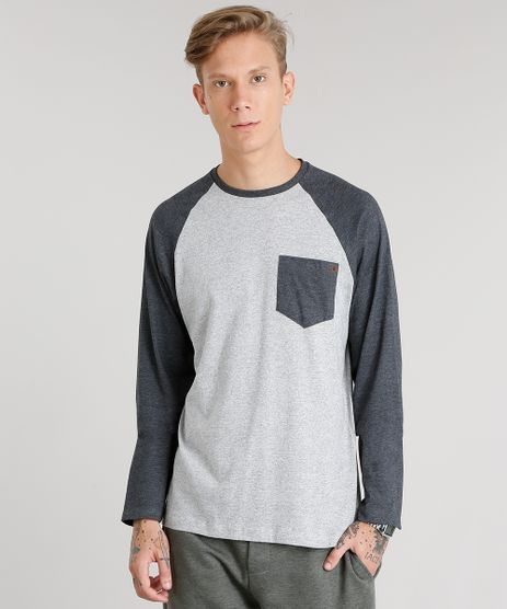 Camiseta-Masculina-com-Bolso-Manga-Longa-Raglan-Gola-Careca-Cinza-Mescla-8582091-Cinza_Mescla_1