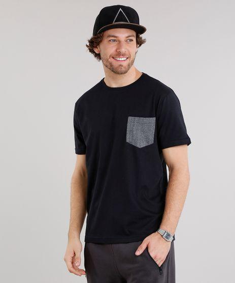 Camiseta-Masculina-com-Bolso-Estampado-de-Ondas-Manga-Curta-Gola-Careca-Preta-9125662-Preto_1