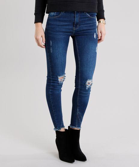 Calca-Jeans-Feminina-Cigarrete-Destroyed-com-Barra-Desfiada-Azul-Escuro-9010648-Azul_Escuro_1