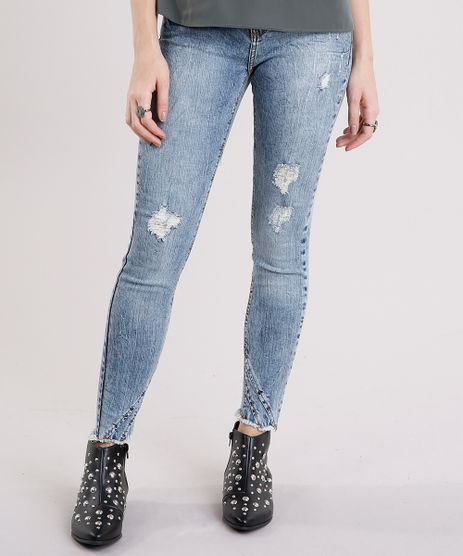 Calca-Jeans-Feminina-Cigarrete-Marmorizada-Destroyed-com-Barra-Desfiada-Azul-Medio-9010649-Azul_Medio_1