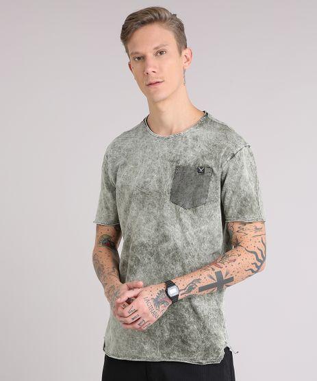 Camiseta-Masculina-Marmorizada-com-Bolso-Manga-Curta-Gola-Careca-Verde-Militar-9153434-Verde_Militar_1