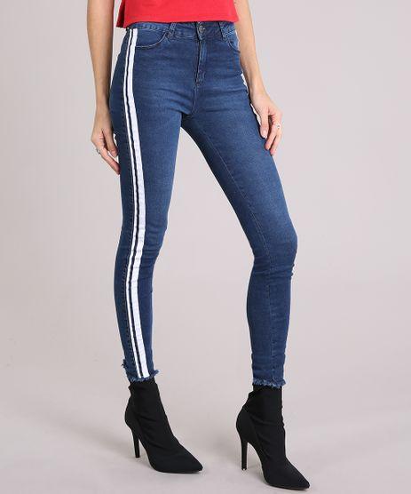 Calca-Jeans-Super-Skinny-Feminina-com-Listras-Laterais-e-Barra-Desfiada-Azul-Escuro-9202032-Azul_Escuro_1