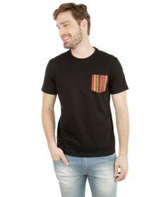 Camiseta-com-Bolso-Preta-8115783-Preto_1