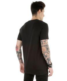 Camiseta-Longa-com-Bolso-Preta-8304754-Preto_2