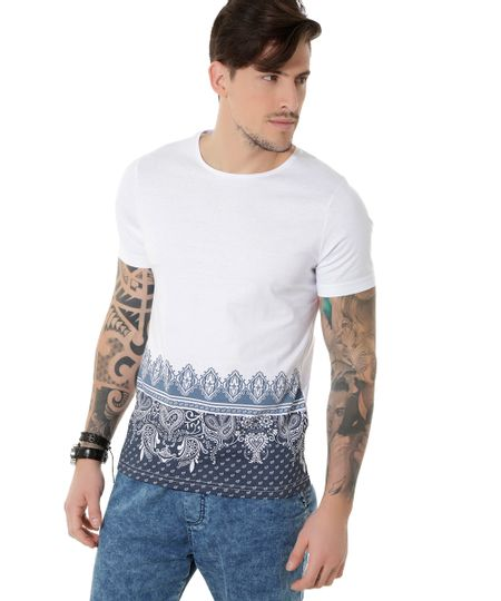 Camiseta com Estampa Paisley Branca