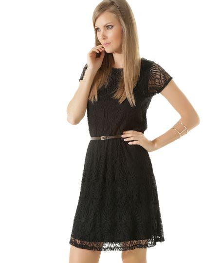 Vestido em Renda com Cinto Preto