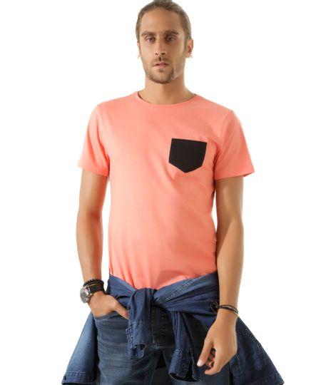 Camiseta com Bolso Coral