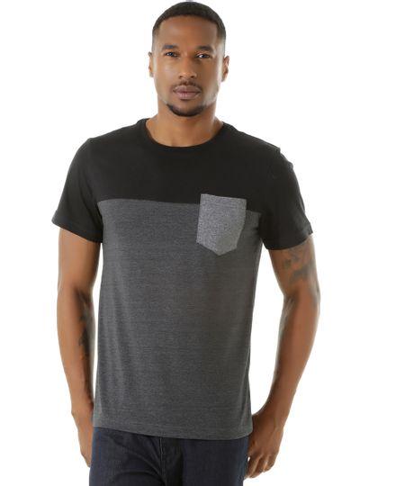 Camiseta com Bolso Preta