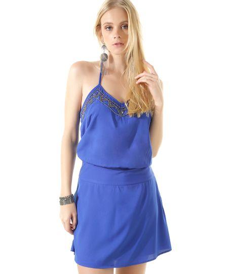 Vestido com Bordado Azul