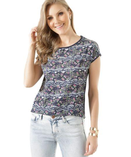 Blusa com Estampa Floral Azul Marinho