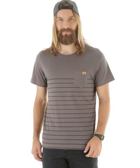 Camiseta com Bolso Chumbo
