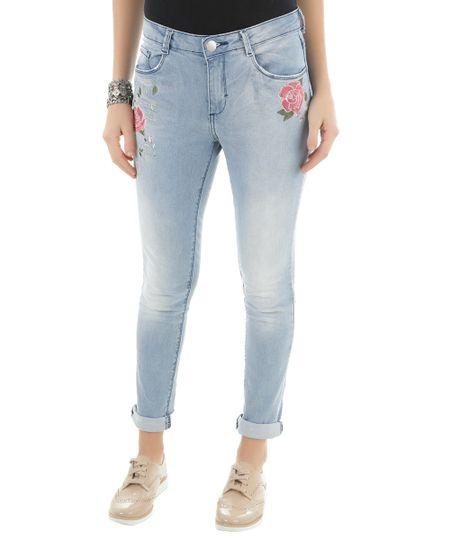 Calça Jeans Skinny com Bordado Azul Claro