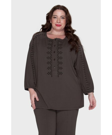 Blusa Polo Bordado Plus Size