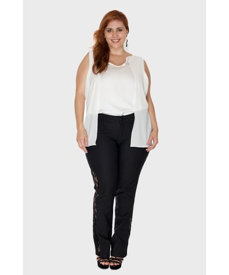 Calça com Renda Lateral Plus Size