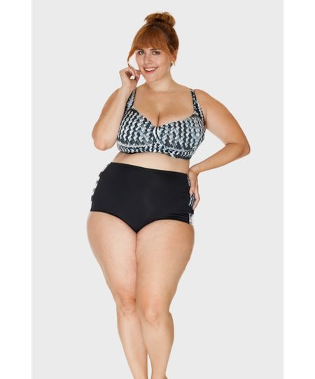 Parte de Baixo - Hot Pant Lorraine Trançado Plus Size