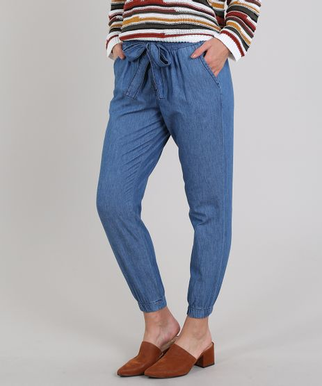 Calca-Jeans-Feminina-Clochard-Jogger-com-Amarracao-e-Botoes-Azul-Medio-9587496-Azul_Medio_1