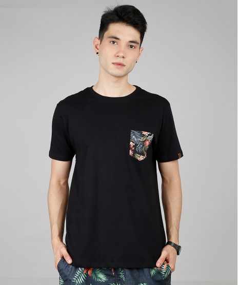Camiseta-Masculina-com-Bolso-Estampado-Tropical-Manga-Curta-Gola-Careca-Preta-9636214-Preto_1