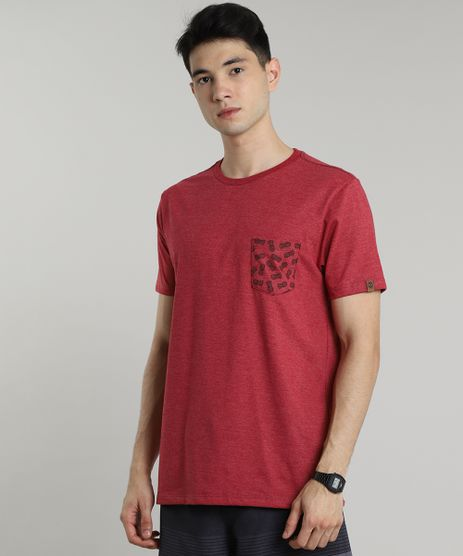Camiseta-Masculina-com-Bolso-Estampado-de-Abacaxi-Manga-Curta-Gola-Careca-Vermelha-9636215-Vermelho_1