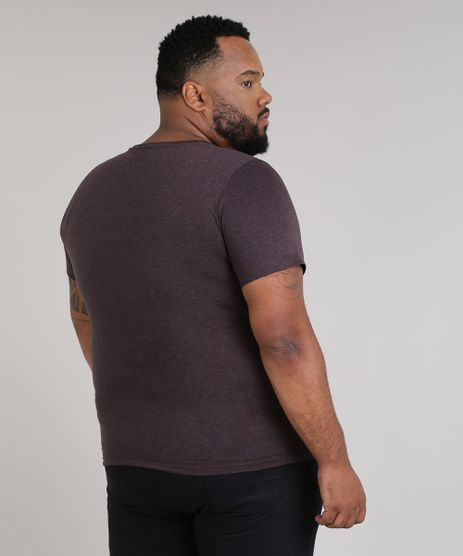//www.cea.com.br/camiseta-masculina-plus-size--the-mountains--manga-curta-gola-careca-vinho-9447385-vinho/p?idsku=2604966