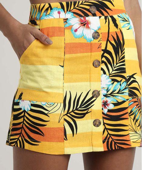 Saia-Feminina-Curta-em-Linho-Estampada-Tropical-com-Botoes-Amarela-9632929-Amarelo_4