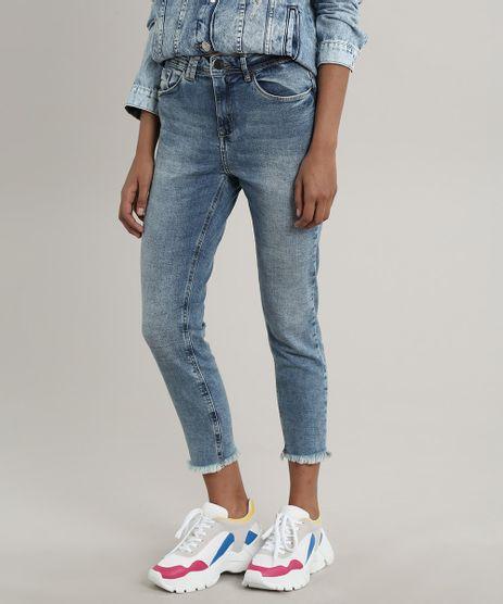 Calca-Jeans-Feminina-Cropped-com-Barra-Desfiada-Azul-Medio-9766246-Azul_Medio_1