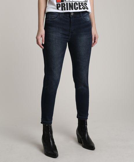 Calca-Jeans-Feminina-Cropped-com-Barra-Desfeita-Azul-Escuro-9701271-Azul_Escuro_1