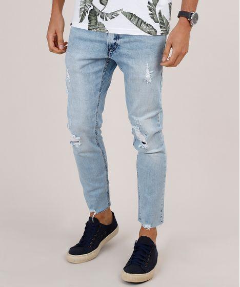 Resultado de imagem para calça jeans lavagem clara rasgo moda masculina