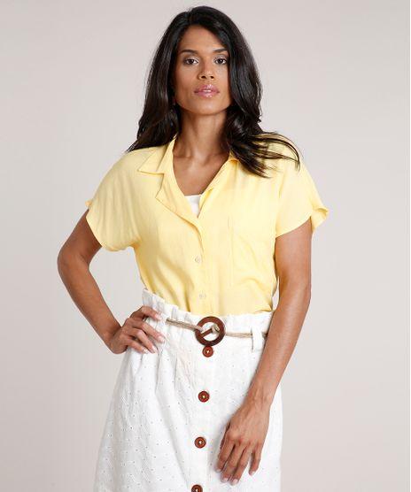 Camisa-Feminina-Ampla-com-Bolso-Manga-Curta-Amarela-9776961-Amarelo_1