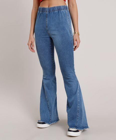 Calca-Jeans-Feminina-Flare-Cintura-Super-Alta-com-Barra-Desfiada--Azul-Medio-9833812-Azul_Medio_1
