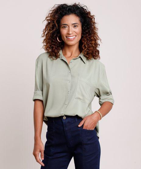 Camisa-Feminina-Ampla-com-Bolso-Manga-Longa-Verde-9821767-Verde_1