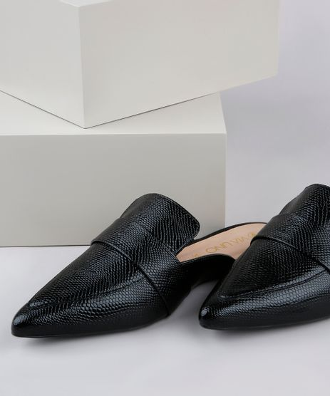 Mule-Feminino-Via-Uno-Bico-Fino-Texturizado-Cobra-em-Verniz-Preto-9840230-Preto_1