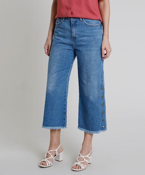 Calca-Jeans-Feminina-Pantacourt-Cintura-Alta-com-Botoes-Barra-Desfiada-Azul-Medio-9889658-Azul_Medio_1