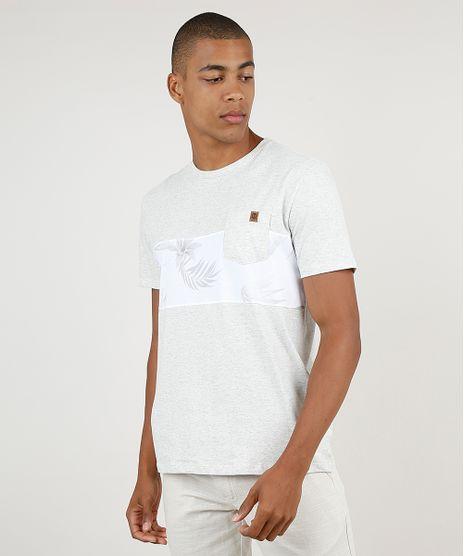 Camiseta-Masculina-com-Bolso-e-Recorte-Manga-Curta-Gola-Careca-Cinza-Mescla-Claro-9895904-Cinza_Mescla_Claro_1