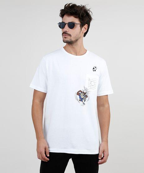 Camiseta-Masculina-Taz-Looney-Tunes-Futebol-com-Bolso-Manga-Curta-Gola-Careca-Branca-9870087-Branco_1