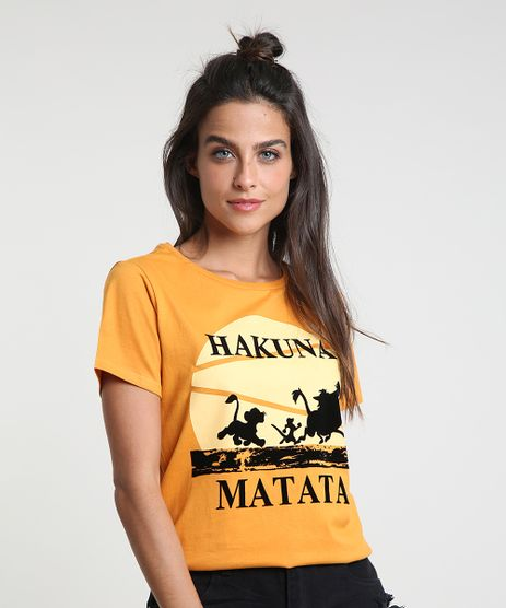 Blusa-Feminina-O-Rei-Leao--Hakuna-Matata--Manga-Curta-Decote-Redondo-Mostarda-9573348-Mostarda_1
