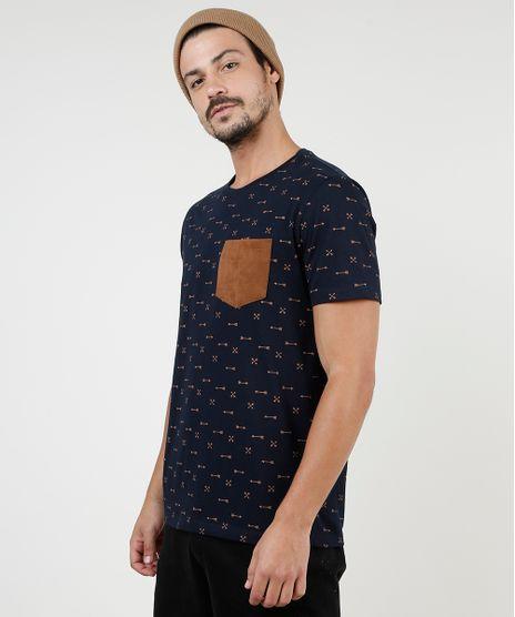 Camiseta-Masculina-Estampada-de-Flechas-com-Bolso-em-Suede-Manga-Curta-Gola-Careca-Azul-Marinho-9902066-Azul_Marinho_1
