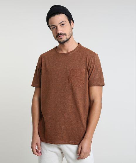 Camiseta-Masculina-com-Bolso-Manga-Curta-Gola-Careca-Marrom-9942905-Marrom_1