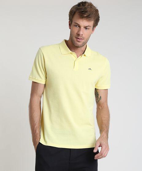 Polo-Masculina-Basica-em-Piquet-Comfort-com-Bordado-Manga-Curta-Amarelo-claro-9725321-Amarelo_Claro_1
