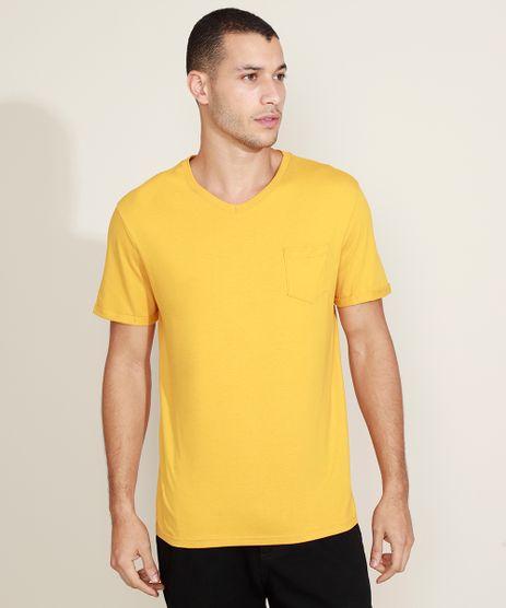 Camiseta-Masculina-Basica-com-Bolso-Gola-Careca-Gola-V-Amarela-9964946-Amarelo_1
