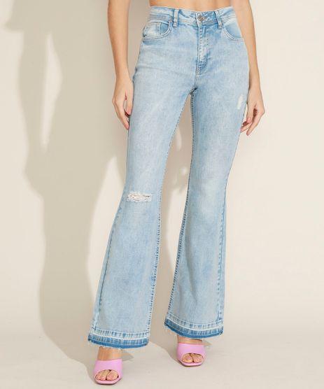 Calca-Jeans-Feminina-Flare-Cintura-Alta-com-Rasgos-e-Barra-Desfeita-Azul-Claro-9854648-Azul_Claro_1