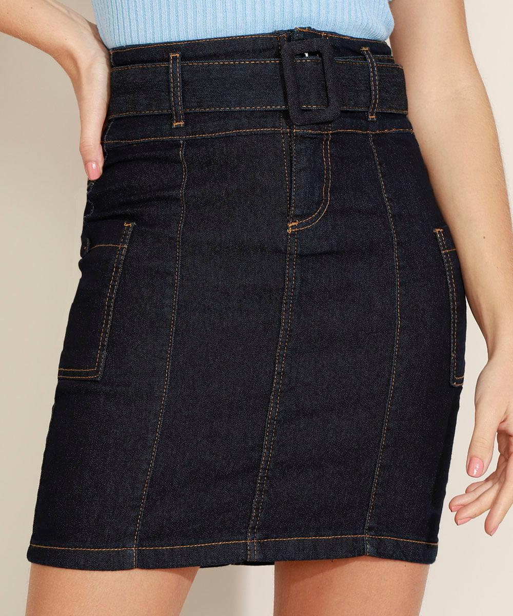 Saia Jeans Curta com Recortes Bolsos e Cinto Azul Escuro