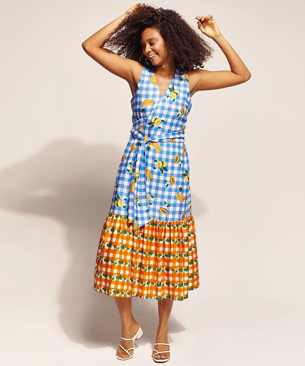 Vestido Feminino EMI Beachwear Midi Estampado Picnic Frutas Transpassado Sem Manga Decote V Azul