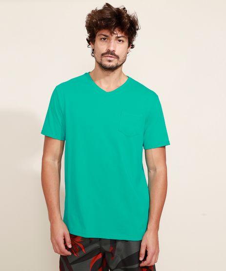 Camiseta-Masculina-Basica-com-Bolso-Manga-Curta-Gola-V-Verde-9964946-Verde_1
