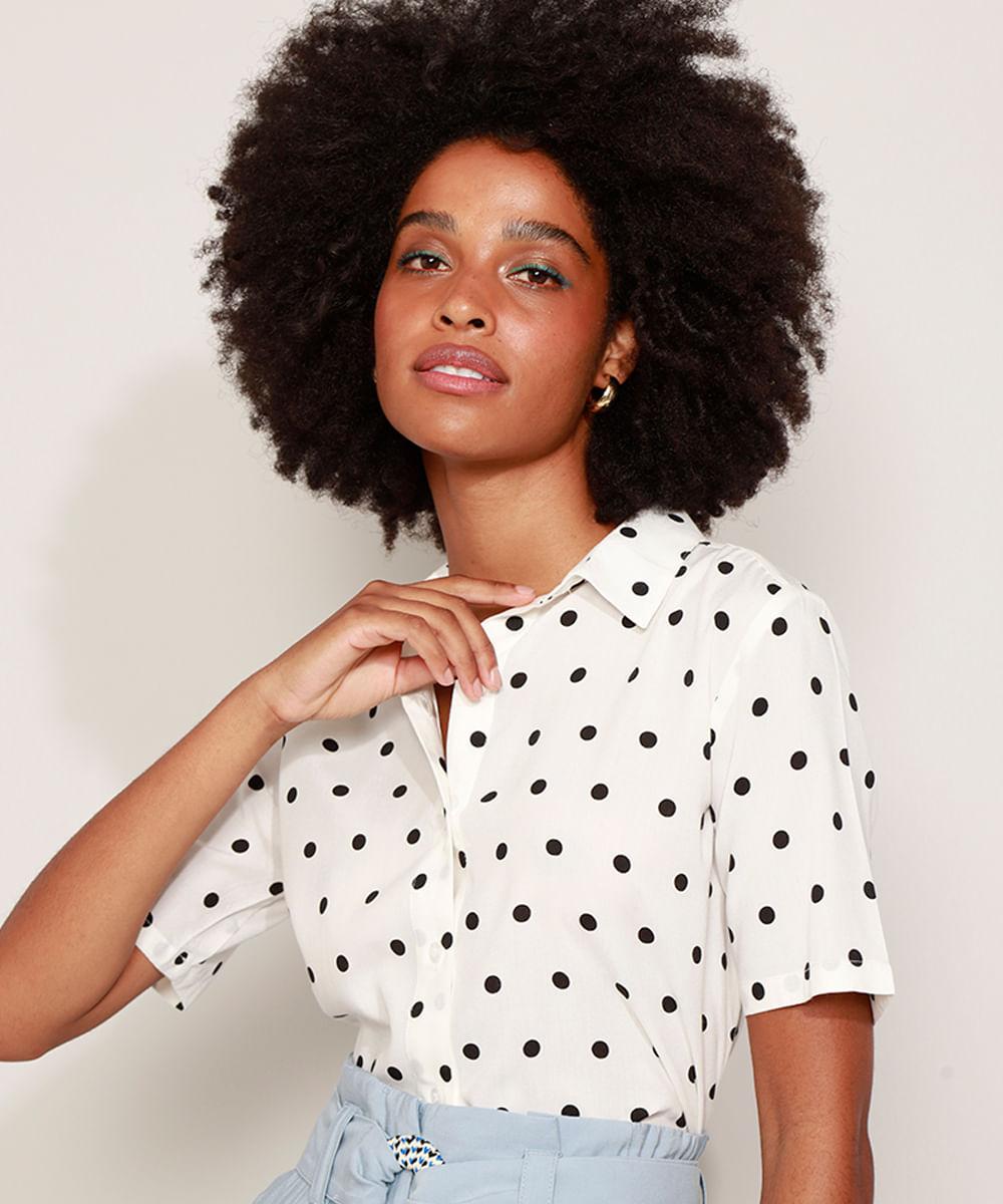 Camisa Feminina Alongada Estampada Poá Manga Curta Off White